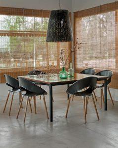 cadeira pes madeira preta