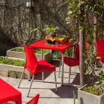 mesa de bar vermelha