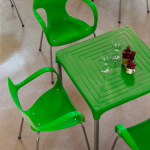 mesa plástica empilhável